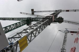 строительный кран на выставке Bauma 2019 в Мюнхене