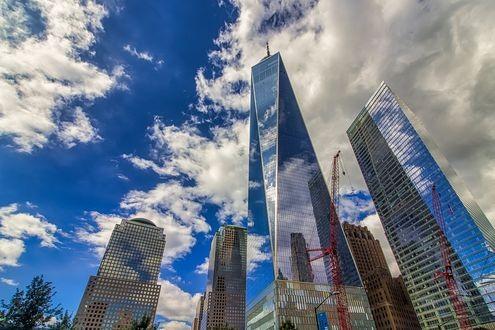 стеклянный небоскреб